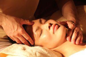 Ayurveda Massagen und Behandlungen